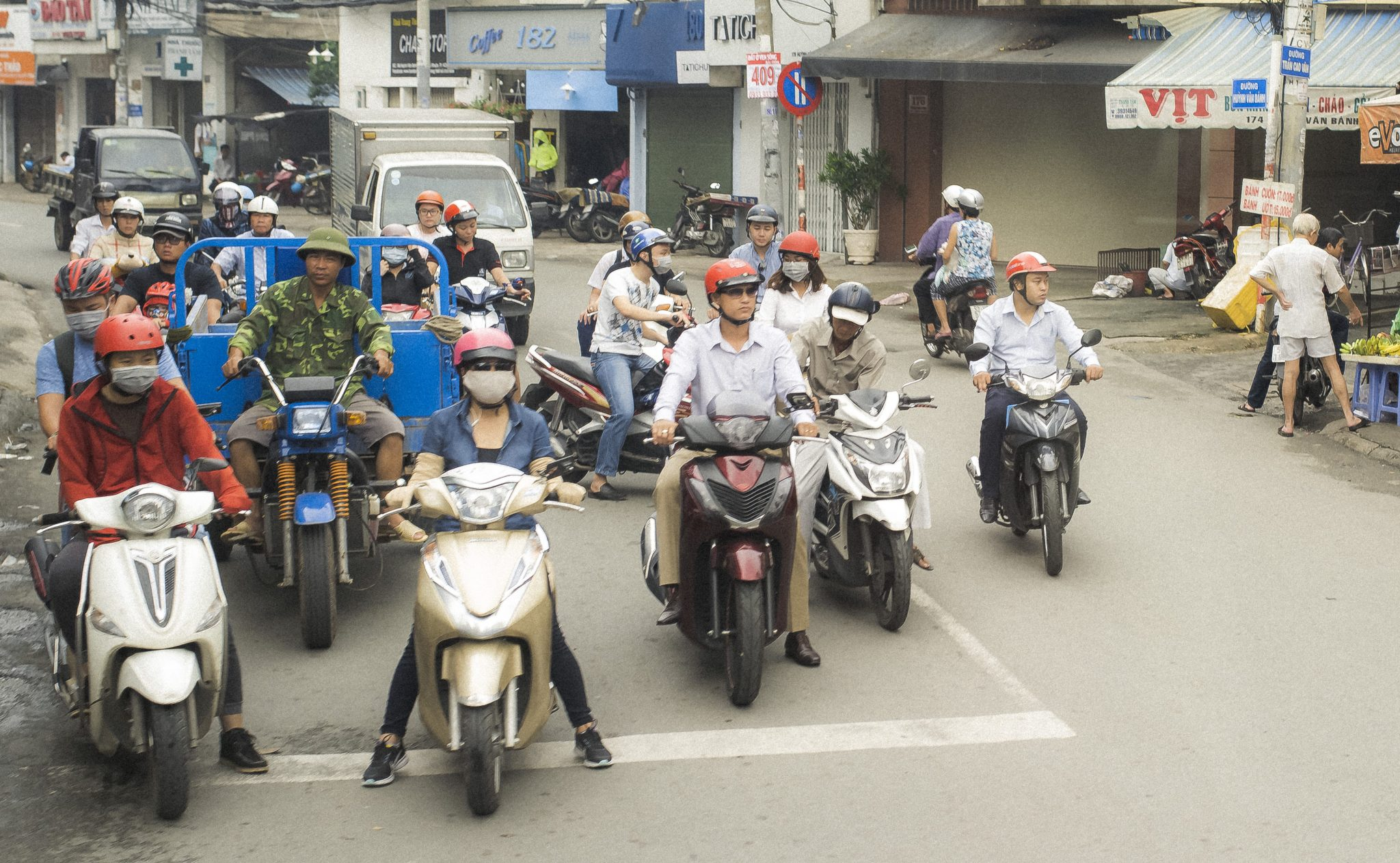 How to understand hotel transportation in Ho Chi Minh City, Vietnam